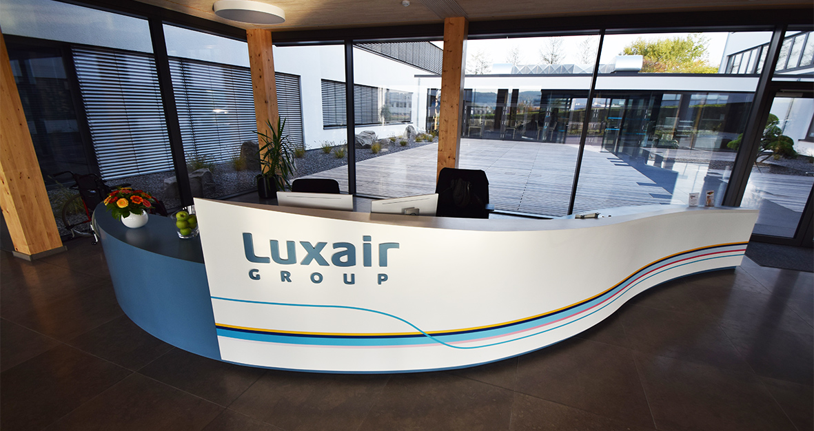 Luxworktop banque d'accueil Corian Luxair